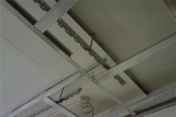 轻钢龙骨吊顶与木龙骨吊顶的区别