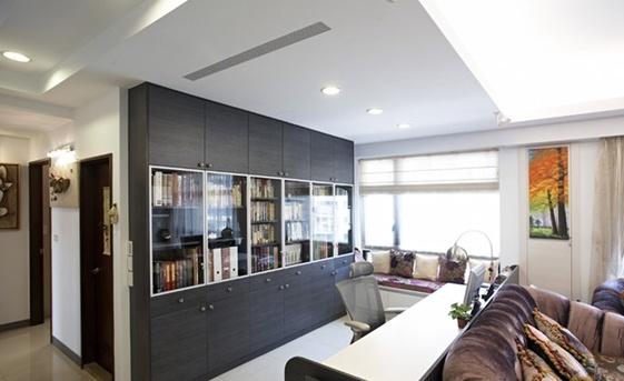 资讯 资讯 文章    如果在卧室中安置一个半开放式书房的话,那么卧室图片