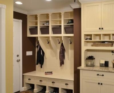 5,拉式的鞋柜门设计,方便便捷,黑白的色彩搭配,看起来简约而具有现