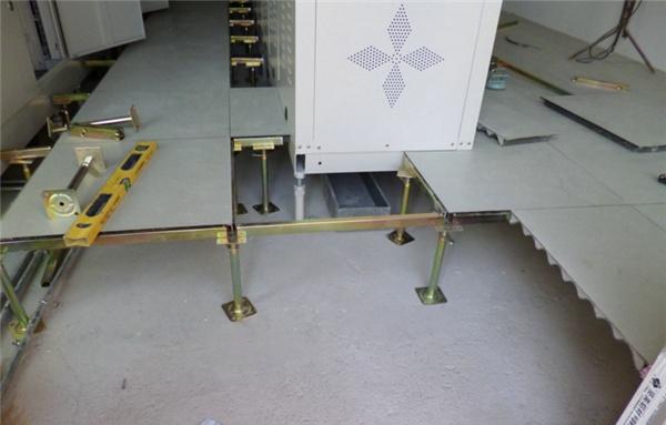 机房防静电地板厂家推荐 机房防静电地板施工