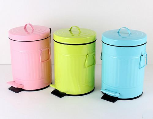 家用垃圾桶尺寸与选购技巧