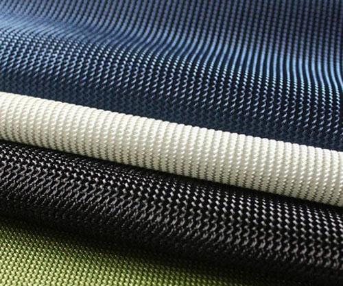 经编针织物的结构,性能和生产方法具有以下特点