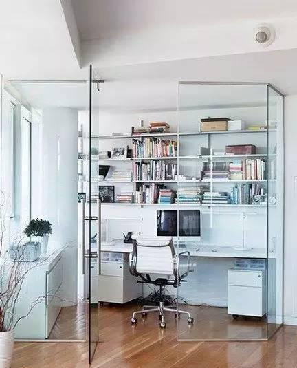 完美收纳巧妙设计,书房兼衣帽间设计