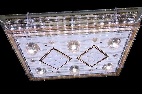 此外,较受消费者喜爱的平板水晶灯品牌还有大丰,施华洛世奇,欧普等.