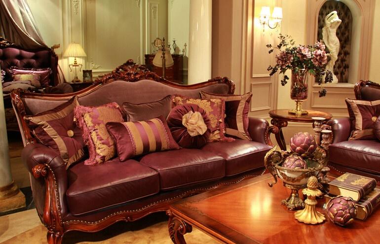 """生产的一款以简约欧式古典主义风格的高档实木欧式家具,多次被评为"""""""